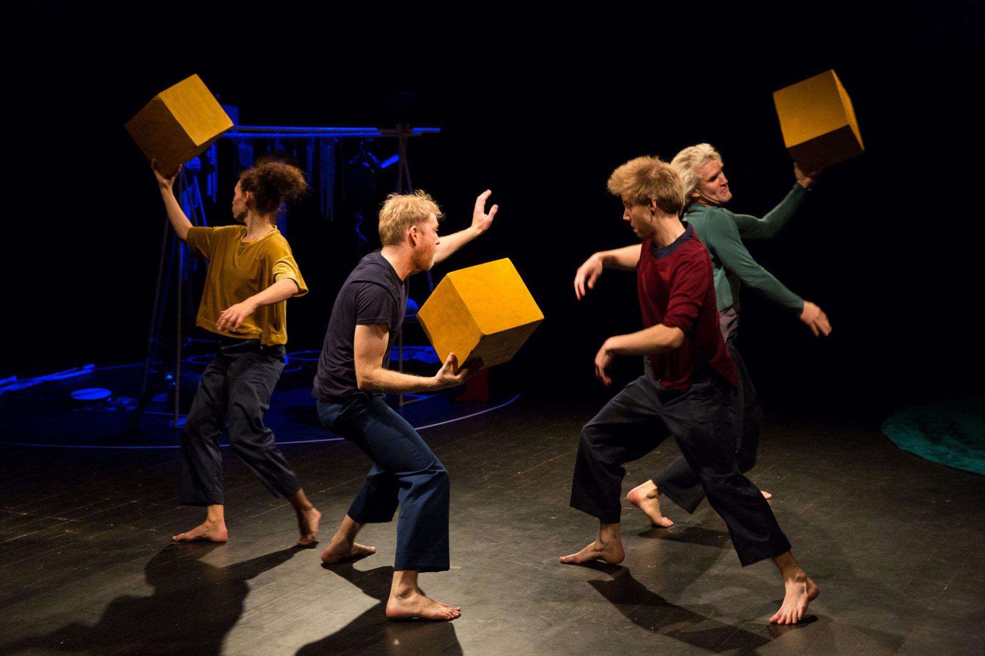 Flygande kuber föreställningen Öar